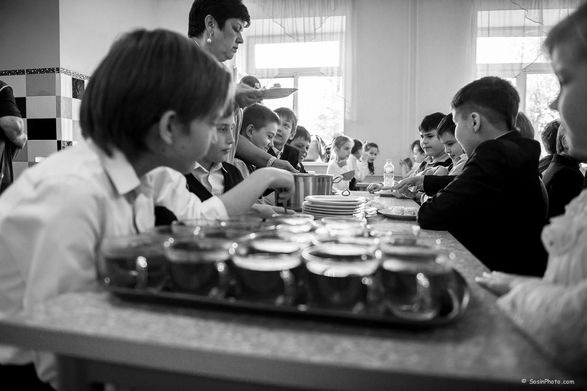0012school-canteen