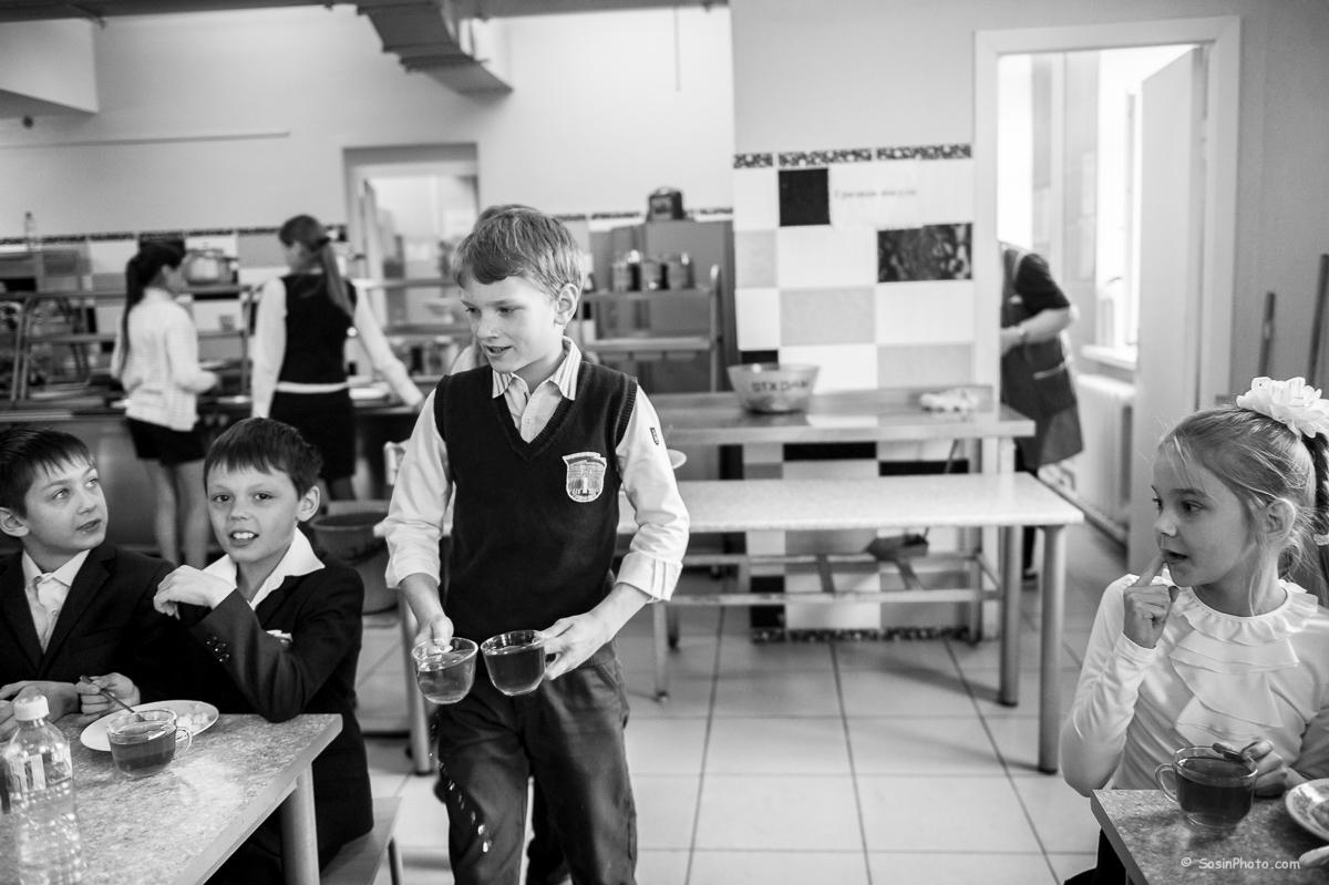 0022school-canteen